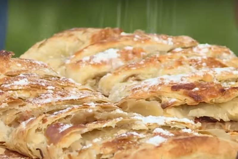 SAVIJAČA S JABUKAMA: Pravi klasik među kolačima, a priprema se bez puno muke [VIDEO]
