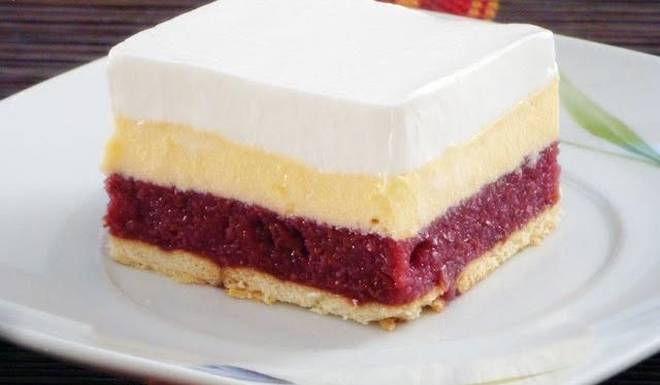 Kremasti kolač od višanja