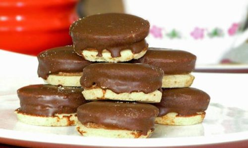 IŠLERI: Fini, prhki i ukusni keksići preliveni čokoladom